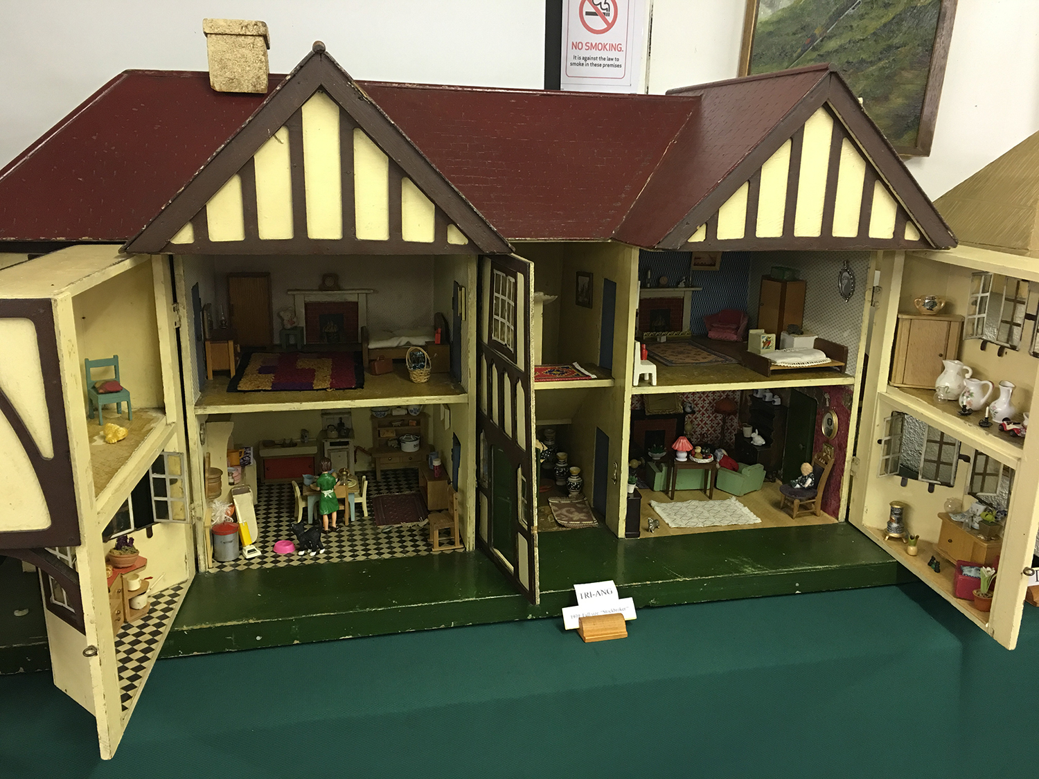 Doll's houses display