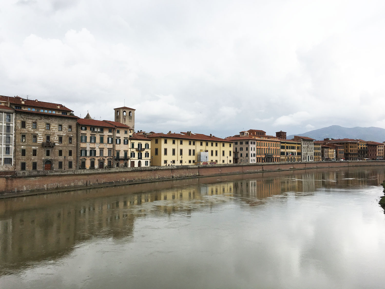 PisaView along the Arno River, Pisa